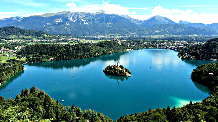 Big mistake: we ate lunch in a stuffy restaurant instead of eating on a bench with a view of Lake Bled.