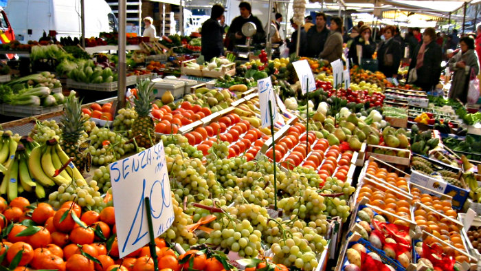 Italian farmers grow a large variety of fruits and vegetables.