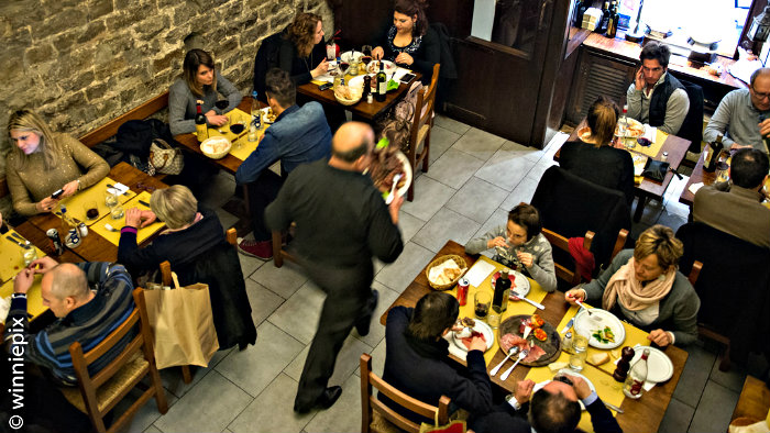 Prices in osterias are affordable for the tourists on a tight budget.