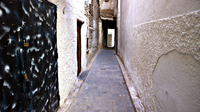 The passageways in Medina are narrow and dark.