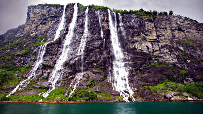 Norway has 10 highest waterfalls in Europe.